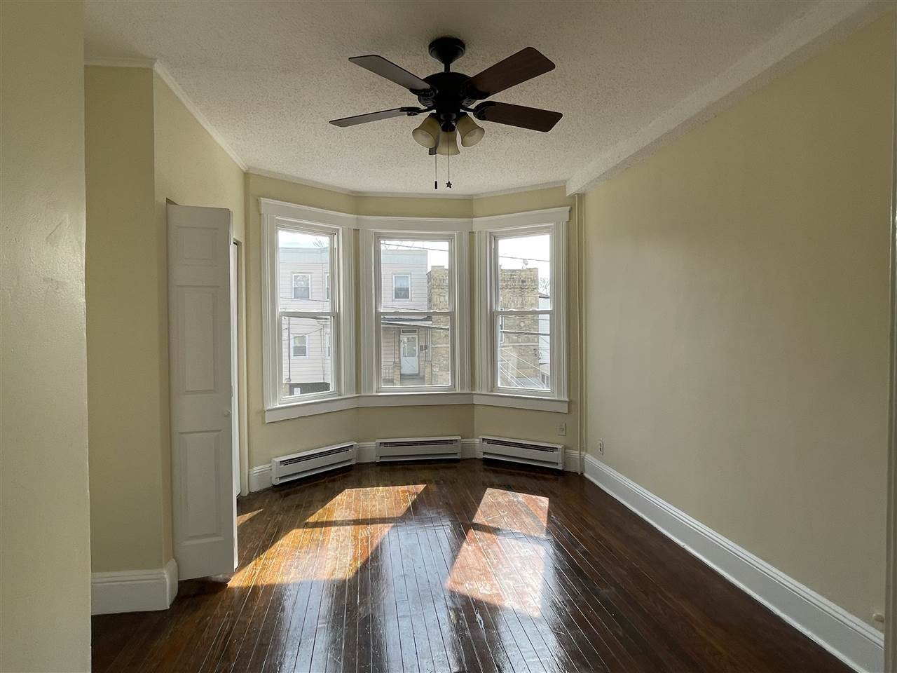 7. Apartments for Rent at 68 Beach Street #2L Jersey City, New Jersey 07307 United States