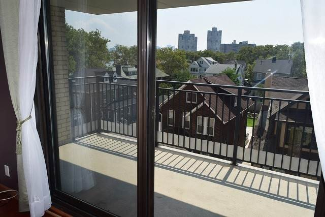 15. Condominiums for Rent at 7855 Boulevard East #4L North Bergen, New Jersey 07047 United States