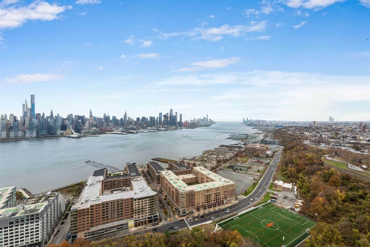 Residential for Rent at 6040 Boulevard East #32F West New York, New Jersey 07093 United States