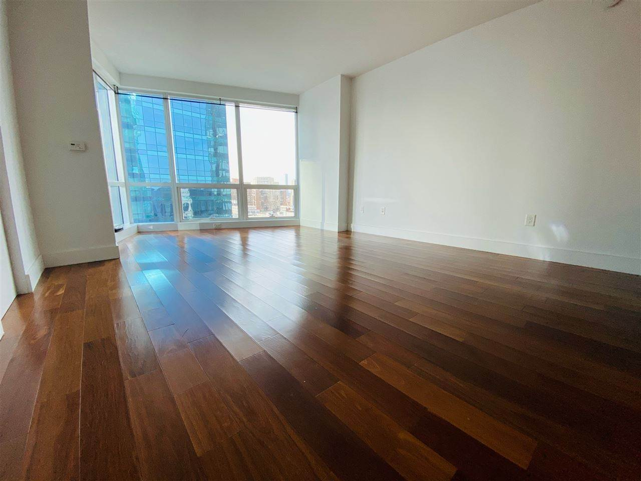 8. Condominiums for Rent at 77 Hudson Street #1801 Jersey City, New Jersey 07302 United States