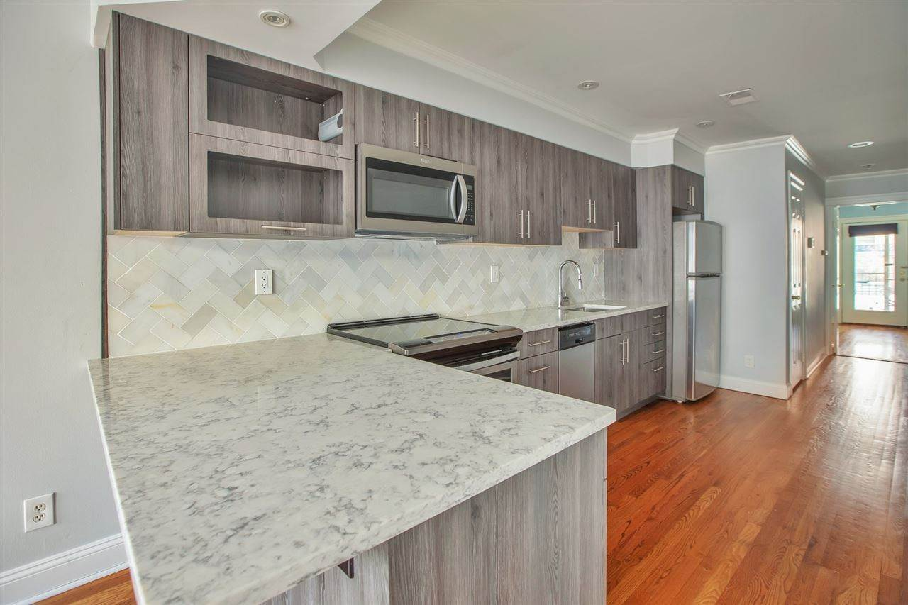 6. Residential for Rent at 308 Monroe Street #3L Hoboken, New Jersey 07030 United States