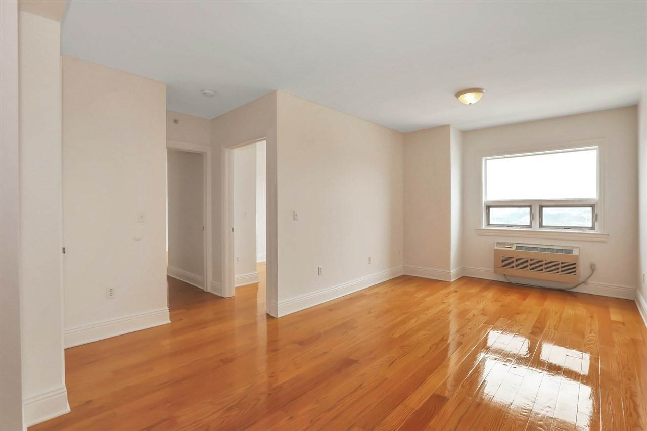 11. Residential for Rent at 809 22nd Street #1104 Union City, New Jersey 07087 United States