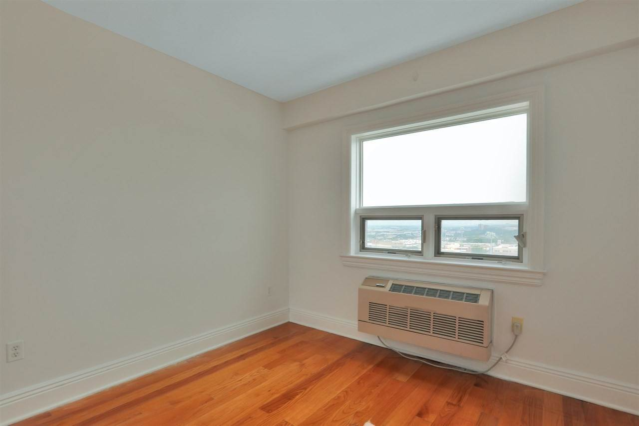 13. Residential for Rent at 809 22nd Street #1104 Union City, New Jersey 07087 United States