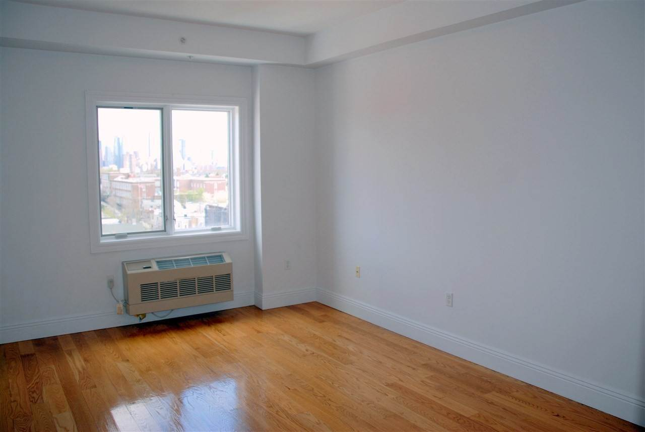 6. Residential for Rent at 125 43rd Street #303 Union City, New Jersey 07087 United States