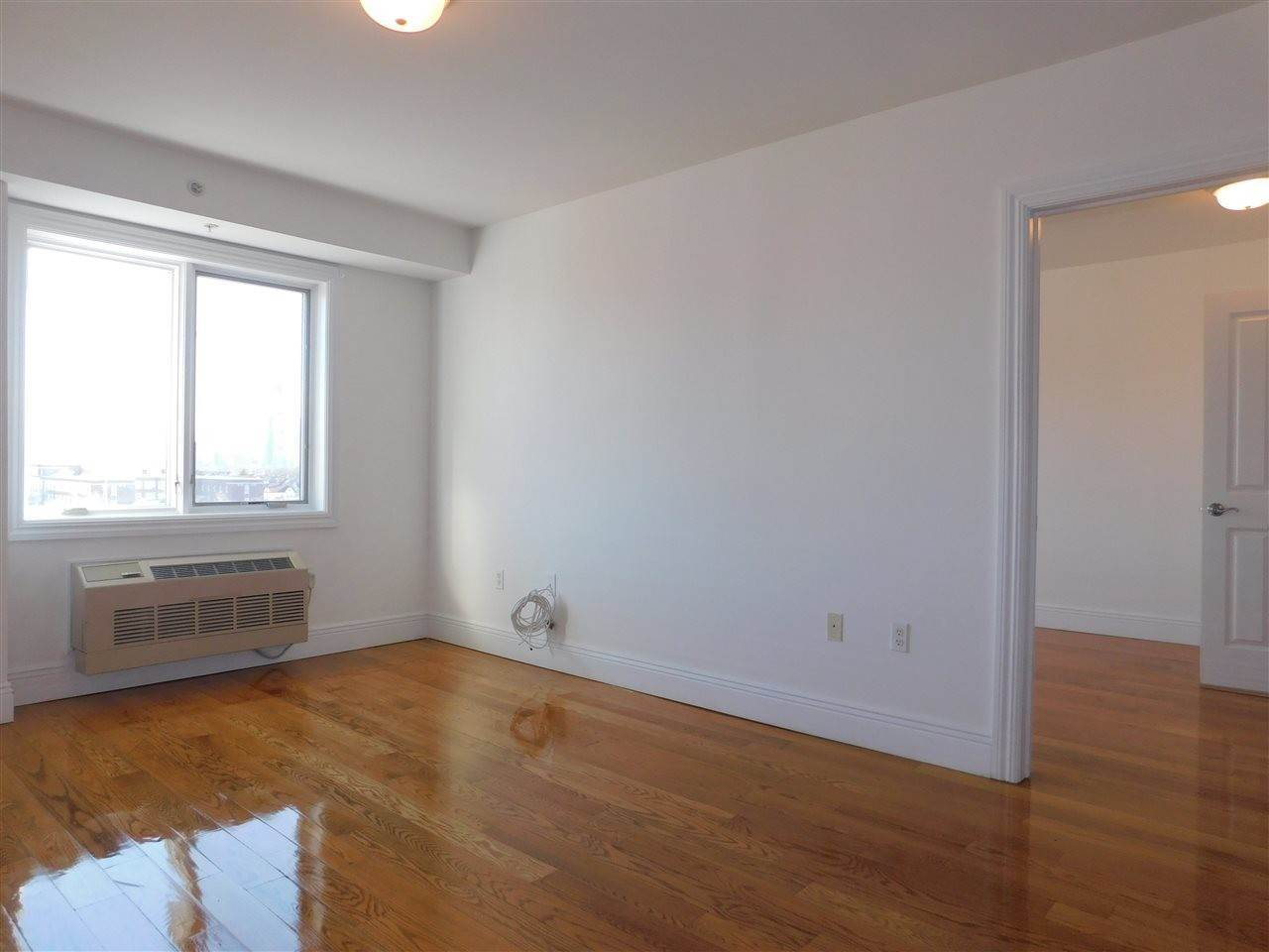 10. Residential for Rent at 125 43rd Street #303 Union City, New Jersey 07087 United States