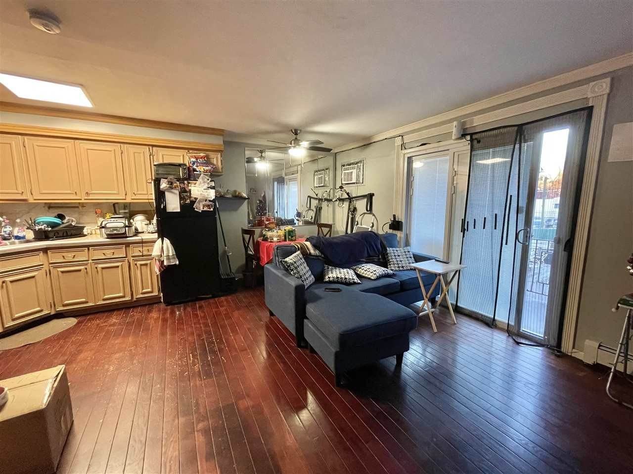 5. Condominiums for Rent at 1614 Union Turnpike North Bergen, New Jersey 07047 United States