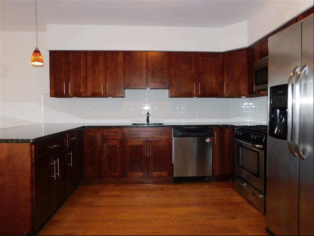7. Residential for Rent at 125 43rd Street #902 Union City, New Jersey 07087 United States