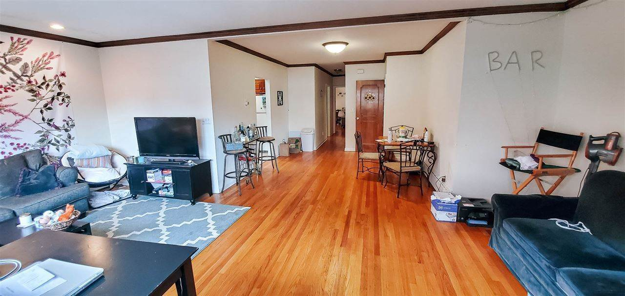 2. Apartments for Rent at 303 Willow Avenue #1 Hoboken, New Jersey 07030 United States