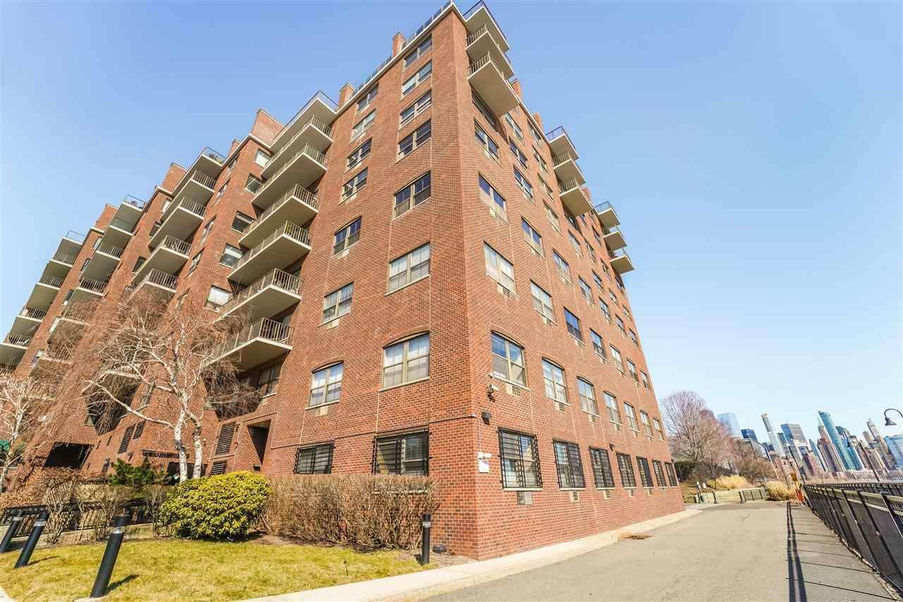 18. Residential for Rent at 1 Greene Street #M-09 Jersey City, New Jersey 07302 United States