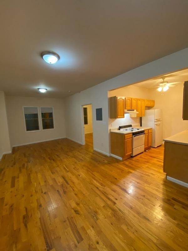 5. Residential for Rent at 391 Broadway #3r Bayonne, New Jersey 07002 United States