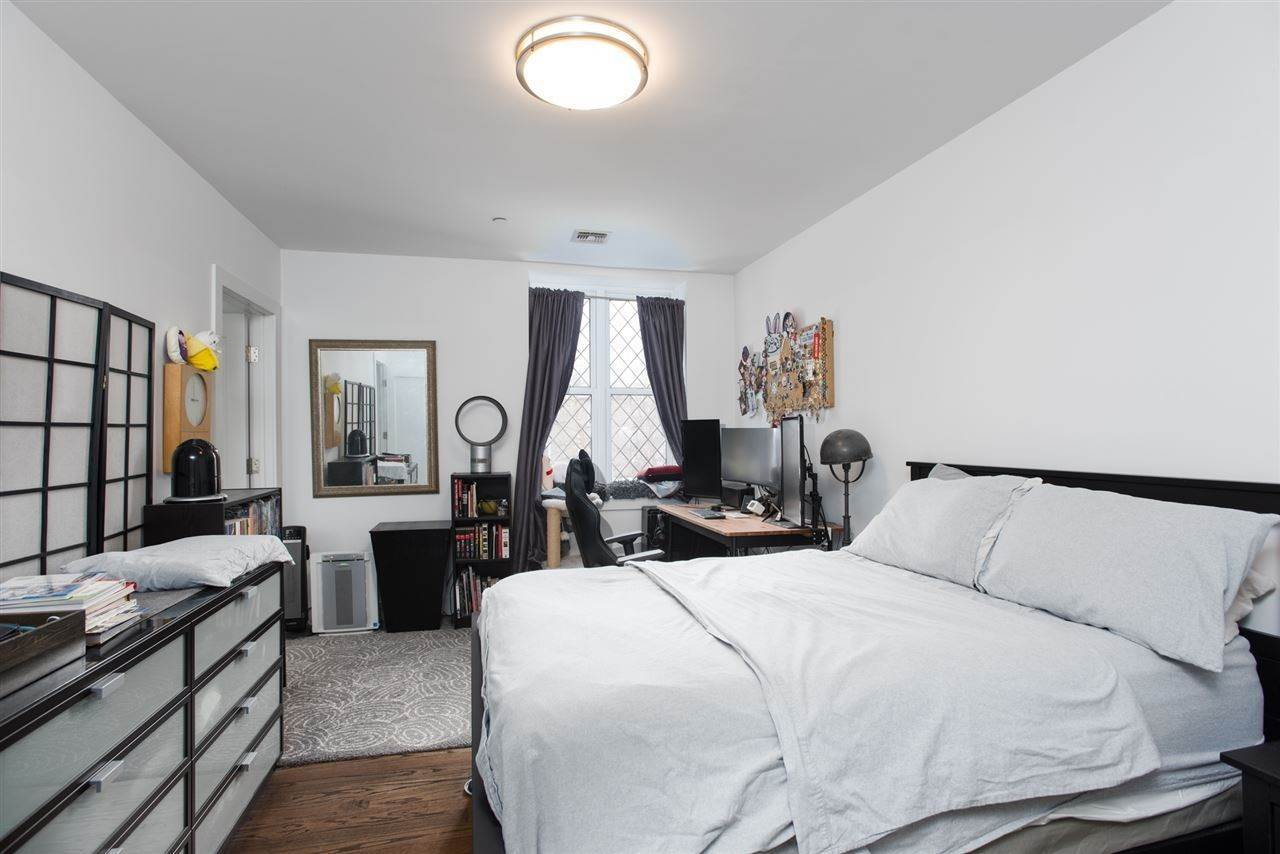 10. Residential for Rent at 304 Pavonia Avenue #202 Jersey City, New Jersey 07302 United States