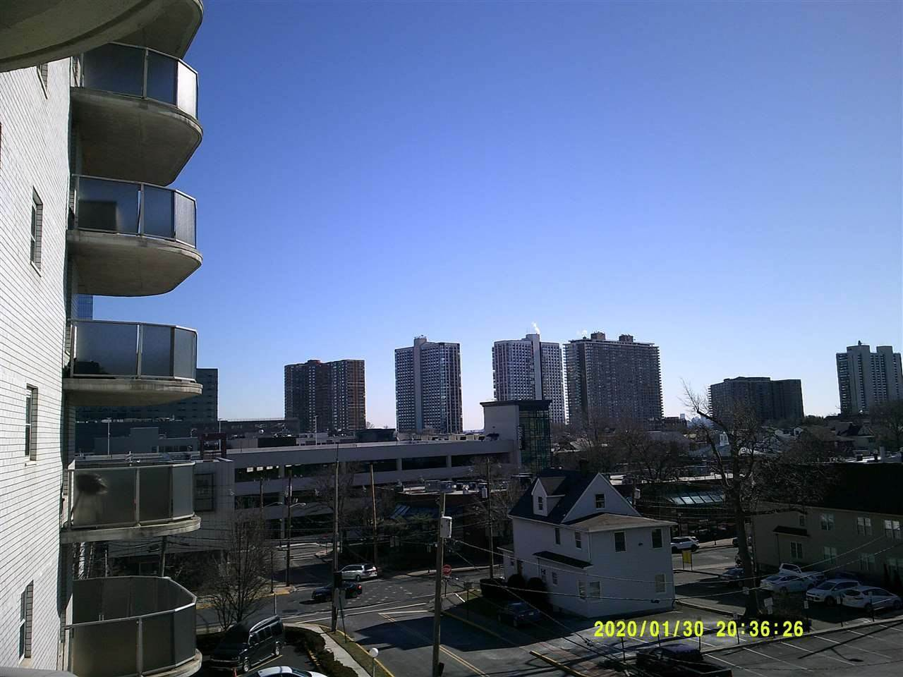 7. Apartments for Rent at 2055 Center Avenue #2d Fort Lee, New Jersey 07024 United States