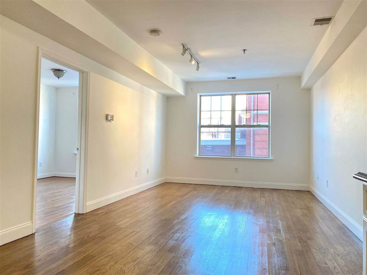 4. Condominiums for Rent at 4401 Park Avenue #2C Union City, New Jersey 07087 United States