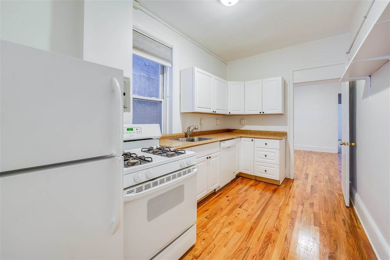 4. Residential for Rent at 719 Willow Avenue #3 Hoboken, New Jersey 07030 United States