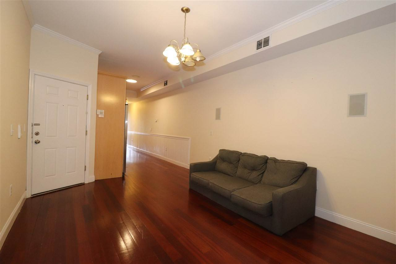 4. Residential for Rent at 102 Fleet Street #2L Jersey City, New Jersey 07306 United States