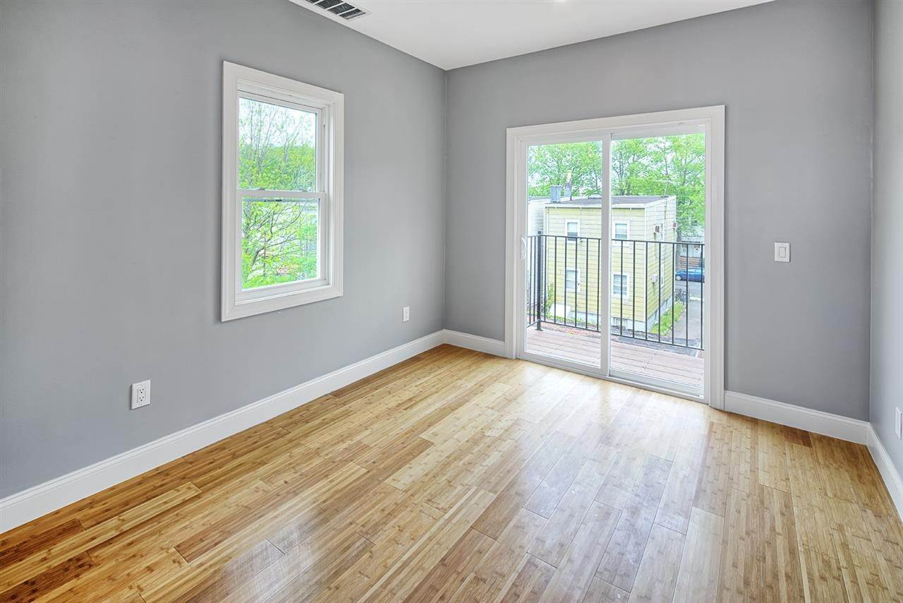 7. Apartments for Rent at 104a Yale Avenue #2 Jersey City, New Jersey 07304 United States