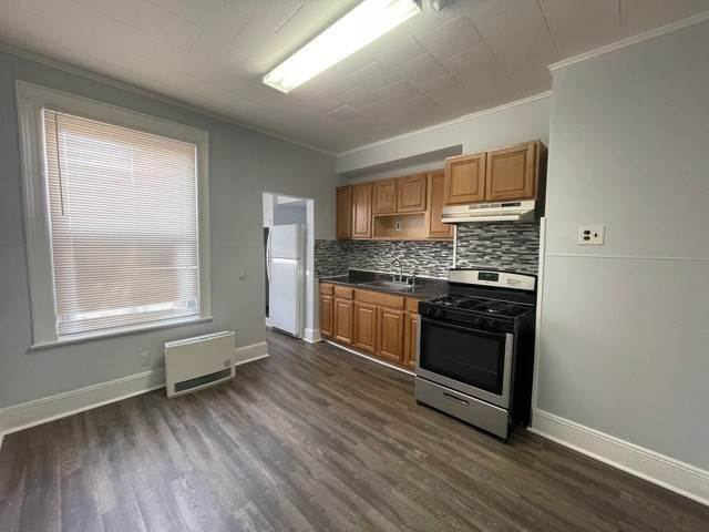 2. Multi-Family Homes for Rent at 29 Logan Avenue #2L Jersey City, New Jersey 07306 United States