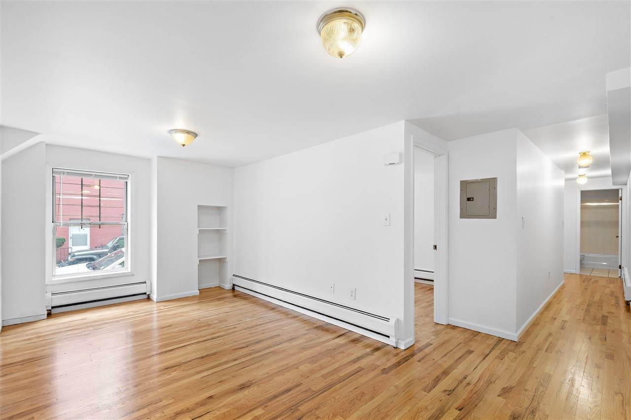 4. Residential for Rent at 301 Grand Street #B1 Hoboken, New Jersey 07030 United States