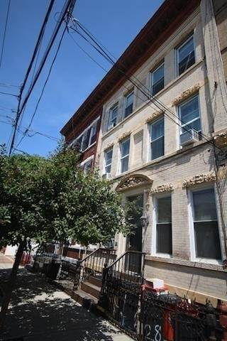 13. Residential for Rent at 310 28th Street #4 Union City, New Jersey 07087 United States