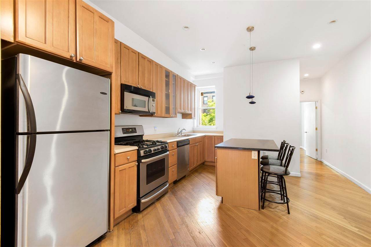 4. Residential for Rent at 807 Washington Street #3N Hoboken, New Jersey 07030 United States