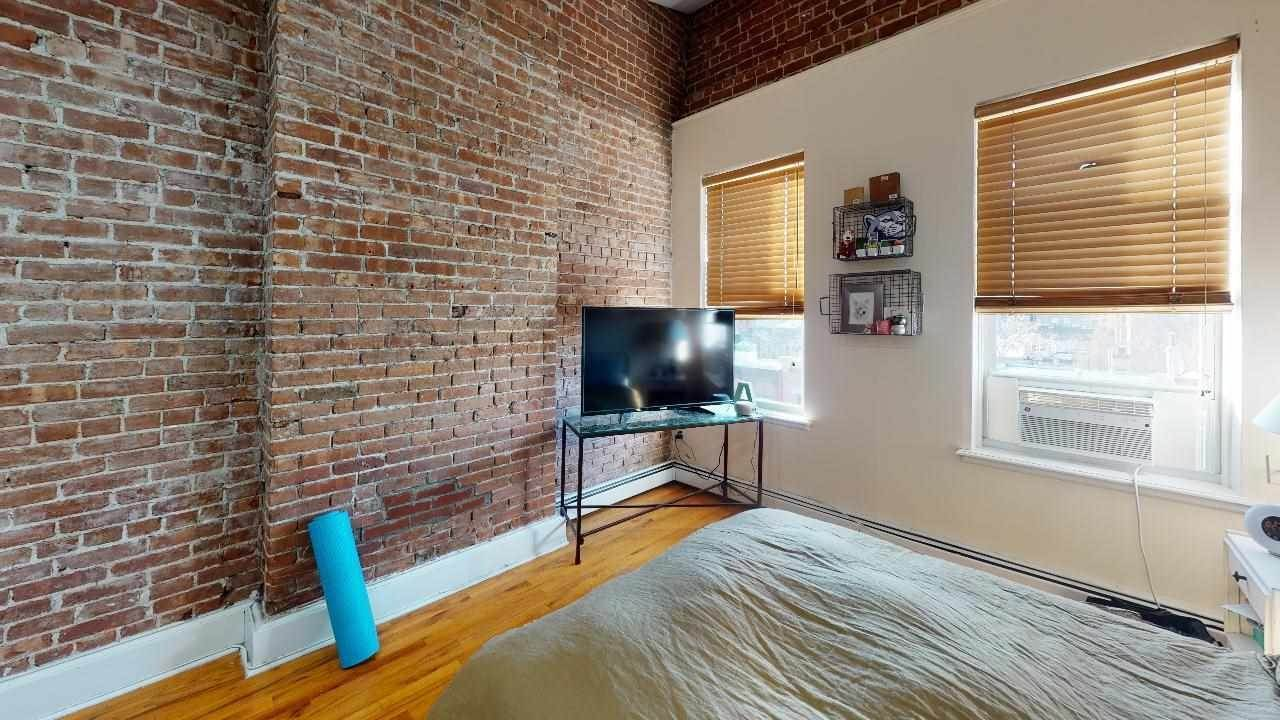 7. Residential for Rent at 915 Garden Street #5-R Hoboken, New Jersey 07030 United States