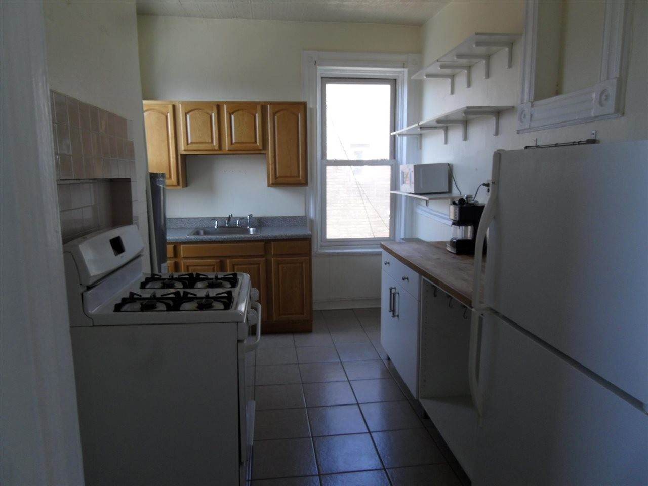 4. Residential for Rent at 104 Wayne Street #5 Jersey City, New Jersey 07002 United States