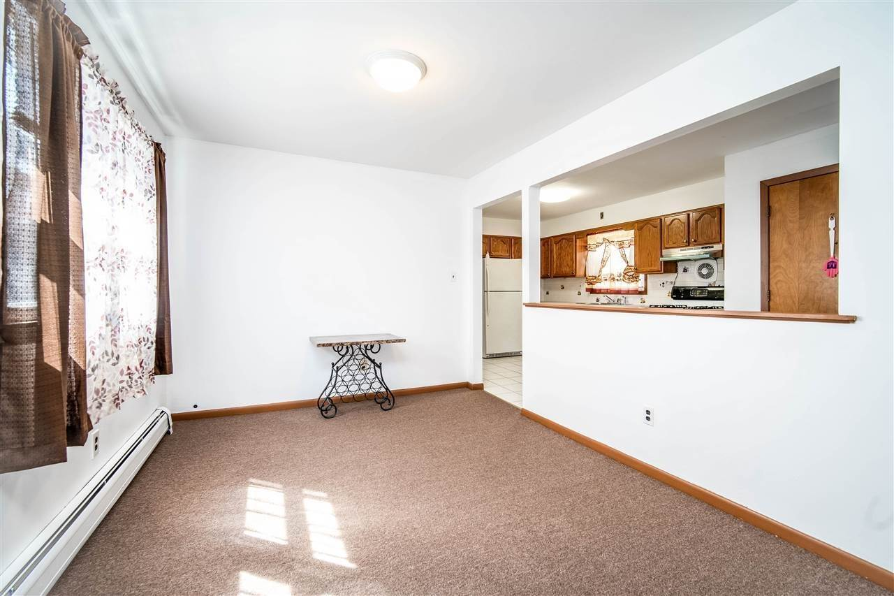 3. Residential for Rent at 205 5th Street #2 Jersey City, New Jersey 07302 United States