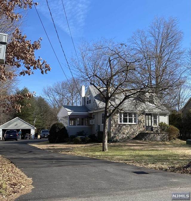 Single Family Homes for Sale at 66 West End Avenue Pequannock Township, New Jersey 07444 United States